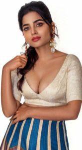 காதல் மன்னனா... நீயும் கண்ணனா... படத்தை விட நேரில் சூப்பராக நடனமாடி அசத்திய அனகா!!!